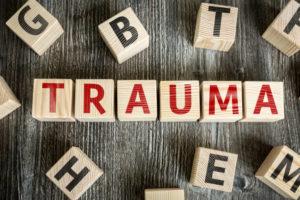 PRISE EN CHARGE DES TRAUMATISMES EN HYPNOSE ERICKSONIENNE